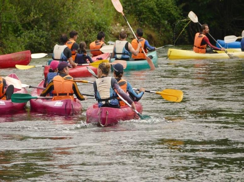 Remando desde las canoas