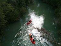 Sorteando dificultades en el rio