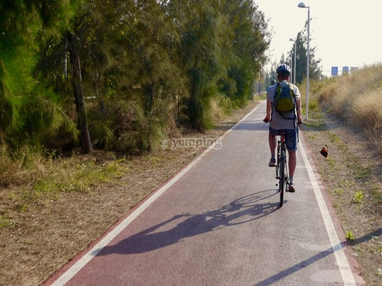 percorso su strada con la bicicletta