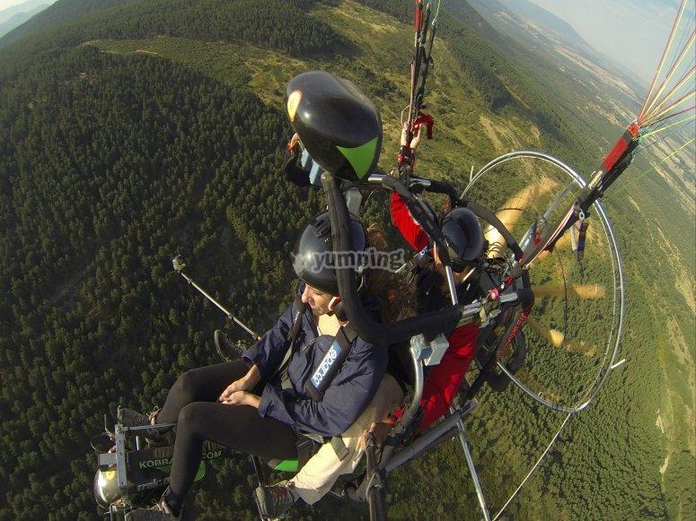 Paramotor en la sierra
