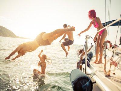 Pasear en velero por el Golfo de Valencia 2 h