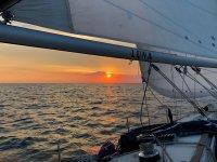 Atardecer en nuestro velero