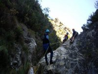 rappelling in burroni