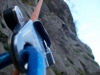 下乡由速降技术登山装备攀岩