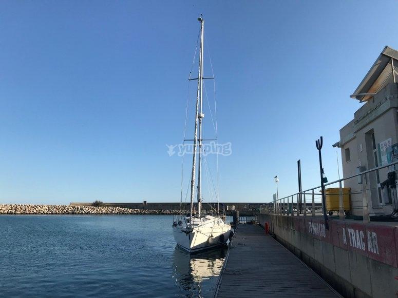帆船从船头