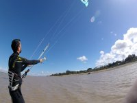 El clima de rota es perfecto para el kitesurf