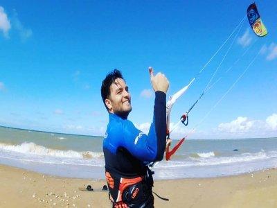 在罗塔8小时计划风筝冲浪改善