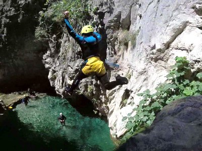 Canyoning Verde river in Granada 5 hours