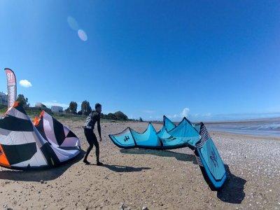 在奇皮奥纳海滩开始风筝冲浪3小时