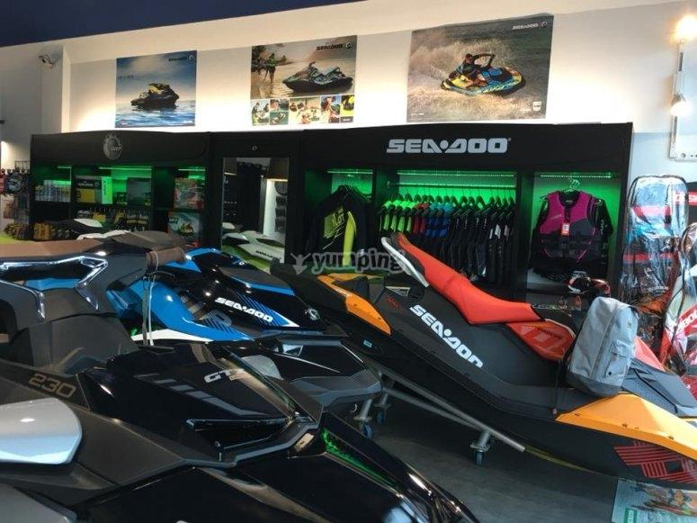 equipos para excursiones en jet ski pais vasco