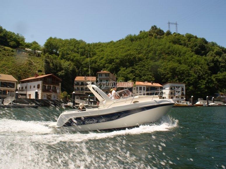 Barco de alquiler en costa vasca