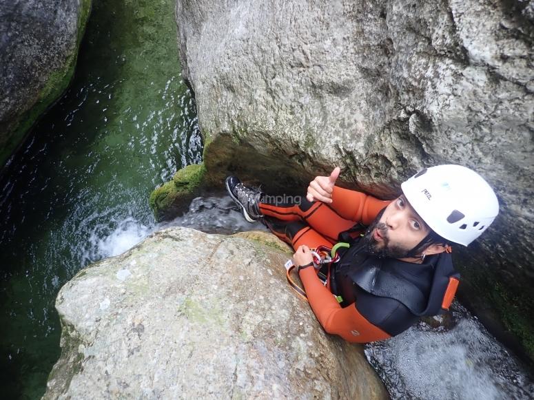 在波伊索尔的滑梯进行峡谷探险