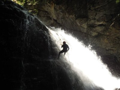 Guara地区的简易水平峡谷1天
