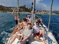 Paseo privado en velero desde Port olímpic 2h