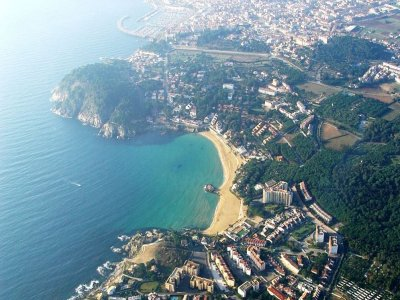 Ultralight aircraft tour over Costa Brava.