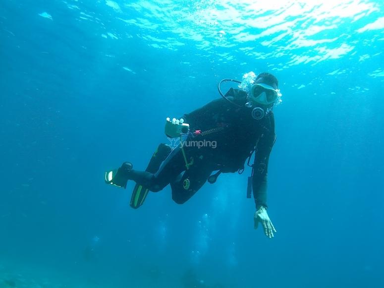 洗礼马拉加您在海底