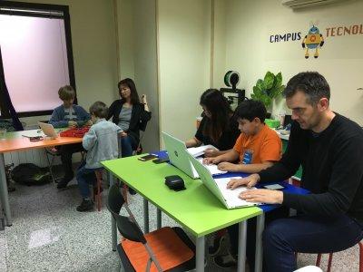 Workshop di volo con droni per bambini a Madrid
