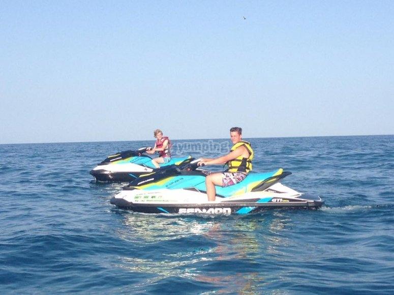 Excursión en moto agua