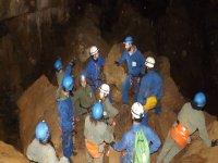 Explicacion del guia en la cueva