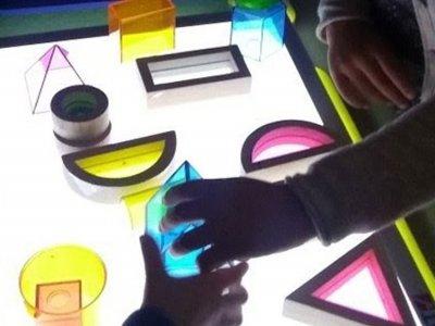 魔术灯箱儿童工作室在巴塞罗那举行