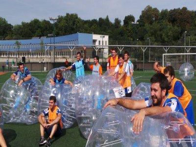 Fútbol bubble y menú sidrería en Donostia