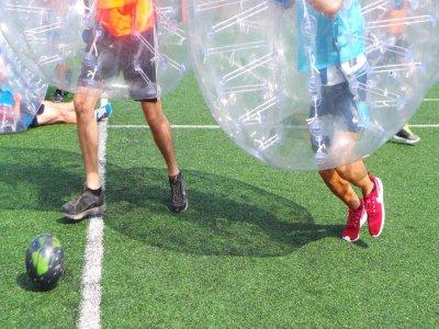 Menú a elegir y partido de bubble fútbol Donosti