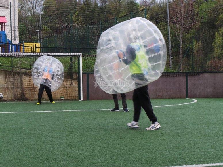 Bubble futbol de noche