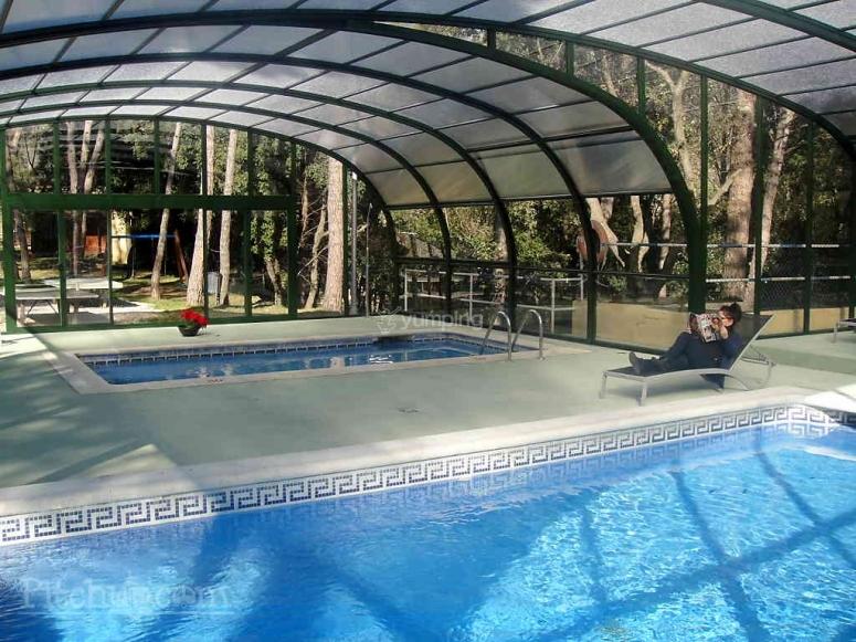 Una de las piscinas cubiertas