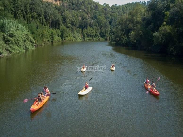 Navegando en kayak por el Fluvia