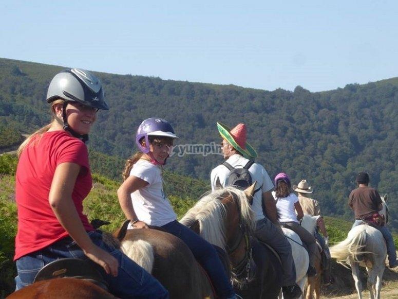 Grupo en ruta a caballo