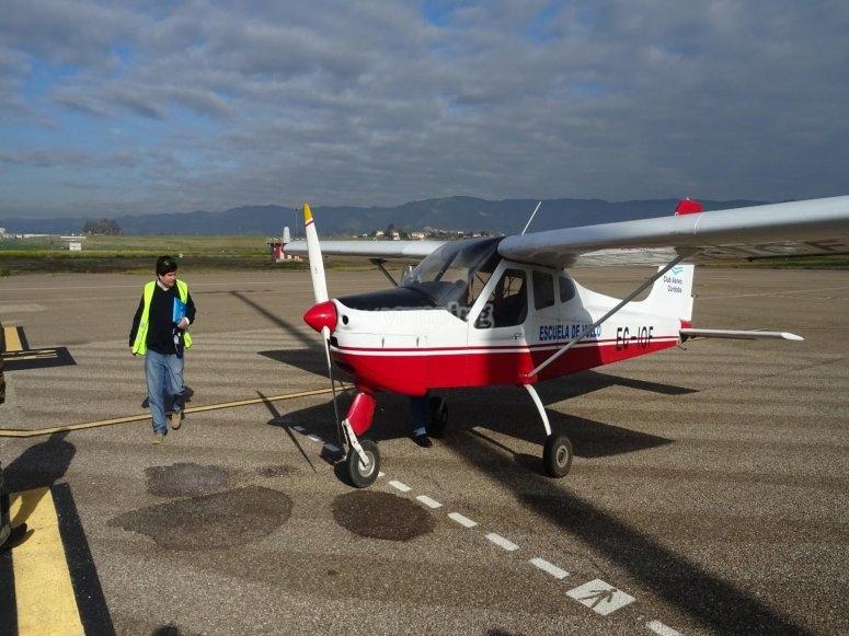 Avioneta preparada para el vuelo