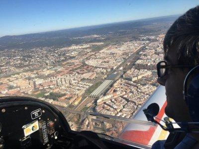 在科尔多瓦开设小型飞机的课程