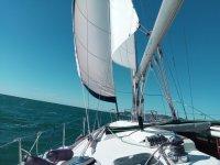Paseo en velero en el Garraf durante medio día