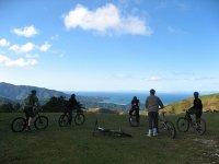 山地自行车旅游团体山地自行车骑山地自行车路线