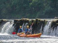 kayak en el rio de galicia