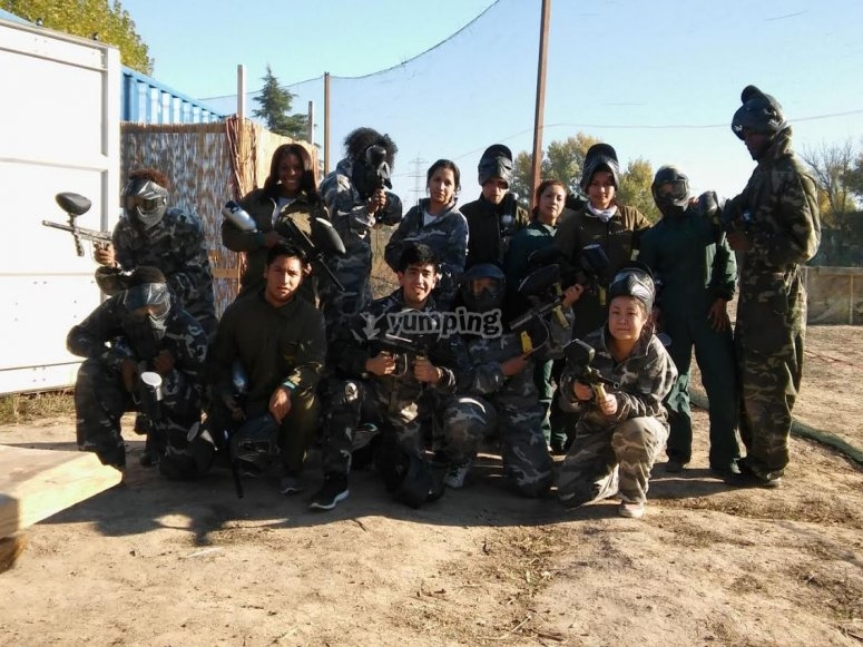 Grupo mixto de paintball