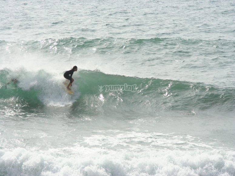 Surfing course for beginners in Valencia
