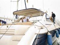 Amigos fotografiandose en el barco