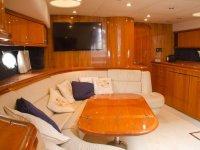 Saloncito interior del barco