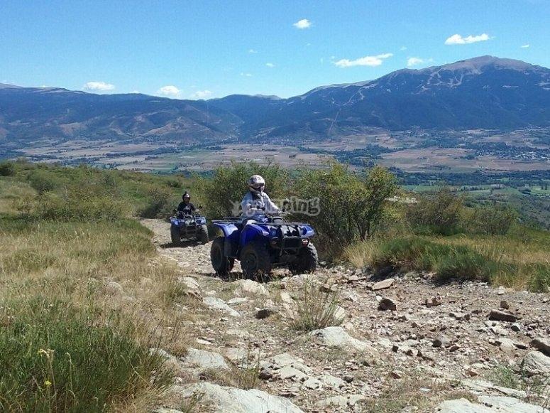 山中四轮摩托车游览