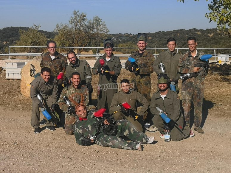 Equipo de paintball preparado