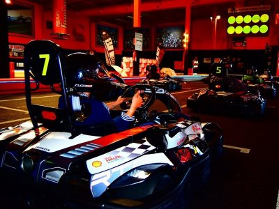 Go karting adults in Sevilla with food and drink