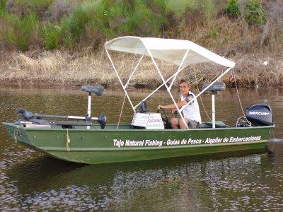 Alquiler lancha sin titulación en Alcántara pesca