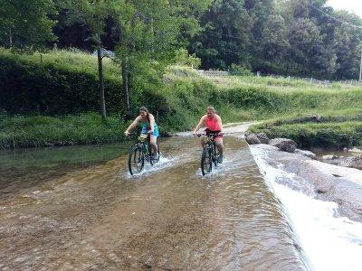 Alquilar e-bike en Vall de Bas durante una jornada