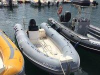 Navegar en Zodiac en Benidorm con patrón y snorkel