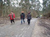 caminando por la carretera