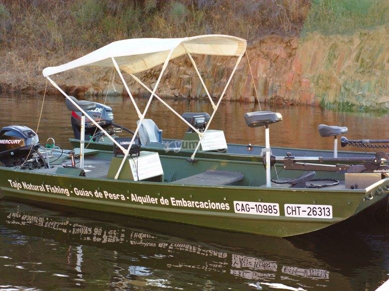 Bateaux de pêche adaptés