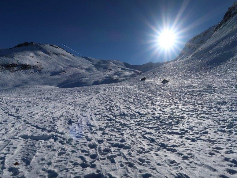 Una paisaje nevado espectacular