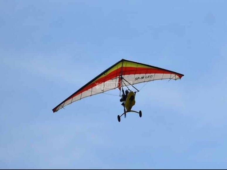 马德里悬挂式滑翔机飞行