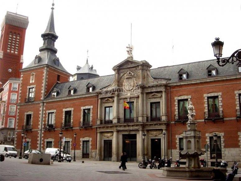 Edificios madrilenos llenos de simbologia